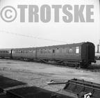 BR British Railways Articulated Carriage Coach E13170E 1960