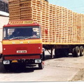One of Parkers Daf  Vehicle outside Carriage Lifting Shop 1970s||<img src=./_datas/9/o/6/9o6rl289yj/i/uploads/9/o/6/9o6rl289yj/2011/05/13/20110513200917-3f766c46-th.jpg>