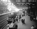 Classic Birmingham Snow Hill photo with a King at the head of an express