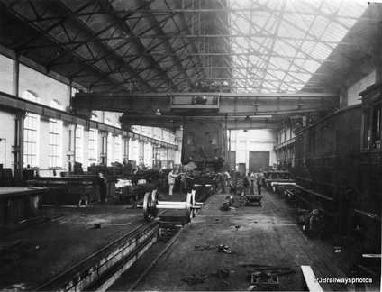 Carriage Lilfing shop Dukinfield Works in L N E R days