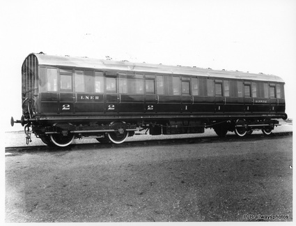 CARRIAGE BUILT AT DUKINFIELD WORKS IN 1929 Diagram 110 SECOND CLASS COM {L}  ORIGINAL No 63832 1946 No 88123 AT DUKINFIELD WORKS