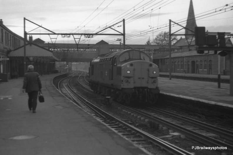 37008 Guide Bridge Station Woodhead Route 21-10-1982