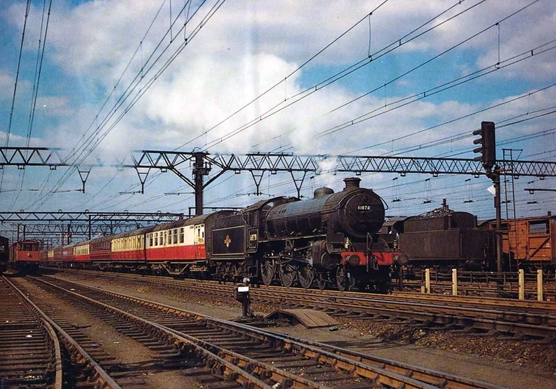 025-September 1959 a Class B1 No.61078 passes Woodburn Road Sidings Sheffield with a Nottingham express.