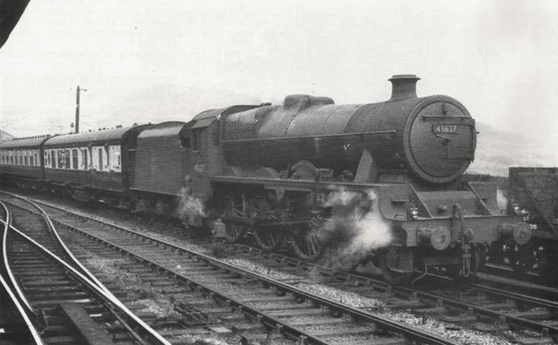 086-A rare picture of Jubilee Windward Isles taken passing through Greenfield (Greater Manchester), in the summer of 1952.jpg