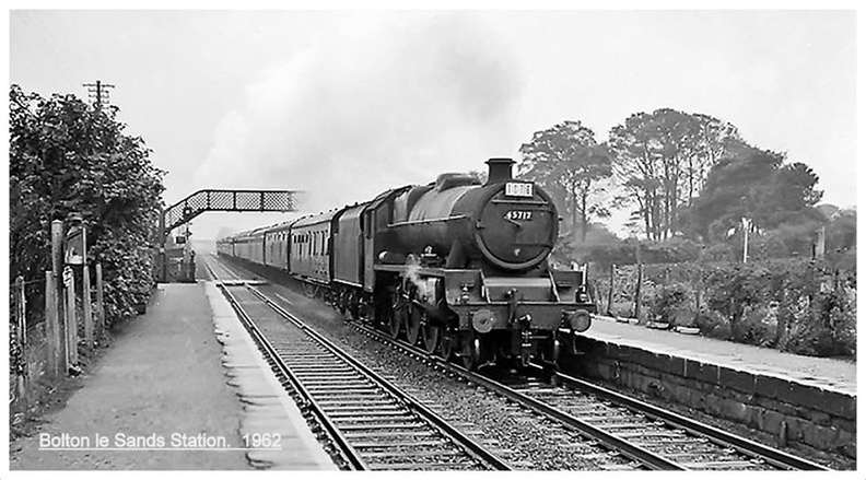 45717 Jubilee Class  Dauntless  going through Bolton le Sands railway station in 1962.jpg