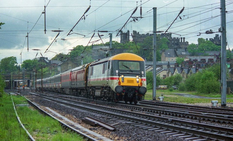 89001 (the only one) sporting Inter-City livery on a test train in 1987  captured just south of Lancaster Station.jpg