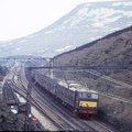 On 29th March 1969 and EM1 heads west at Valehouse, between Torside Crossing and Hadfield with a train of loaded coal wagons from the Yorkshire coalfield||<img src=./_datas/9/o/6/9o6rl289yj/i/uploads/9/o/6/9o6rl289yj//2016/10/06/20161006202115-d3fadb8b-th.jpg>