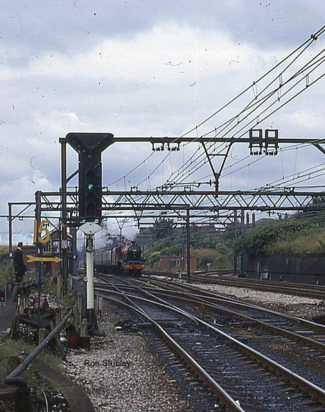 5596 Bahamas approaching Guide Bridge in 1973
