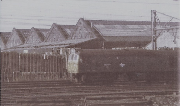 25 Passing Dukinfield Wagon Works