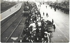 Daytrippers arrive at Cleethorpes station 1911
