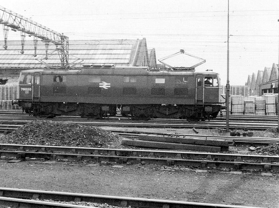 76020 runs past Dewsnap sidings towards Guide Bridge. 1977