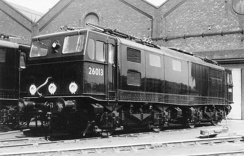 M.L.S. and shows 76013 outside the works at Gorton on 14.4.1951..jpg