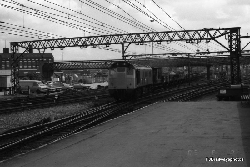 25076 Guide Bridge Woodhead Route 12-06-1983