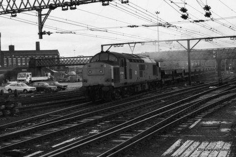 37136 Guide Bridge Woodhead Route 29-11-1983