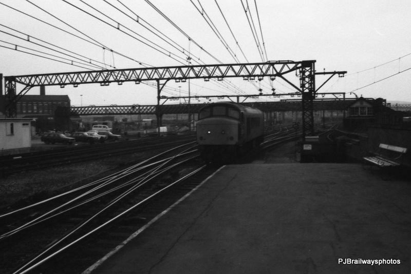 45077 Guide Bridge Woodhead Route 09-03-1984