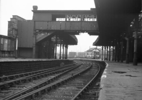 LANCASTER (GREEN AYRE) RAILWAY STATION 1967.jpg