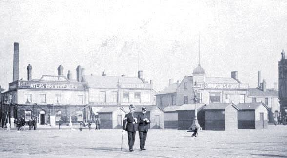 HYDE - View across the market place - with 2 policemen 1920's..jpg