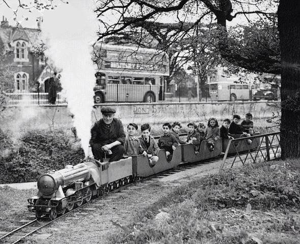 Who remembers one of these tiny trains running across the top of King Georges Playing field at Ladbrooke Road.jpg